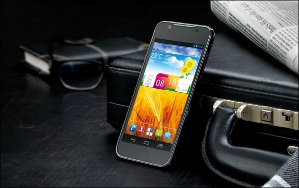 Смартфон ZTE Grand Era на белорусский рынок выводит velcom