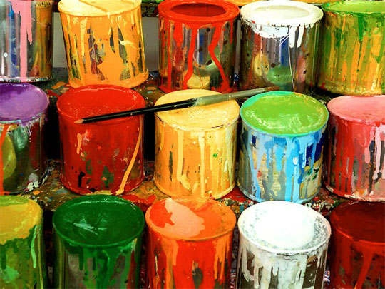 Подбираем краску для стен и потолка